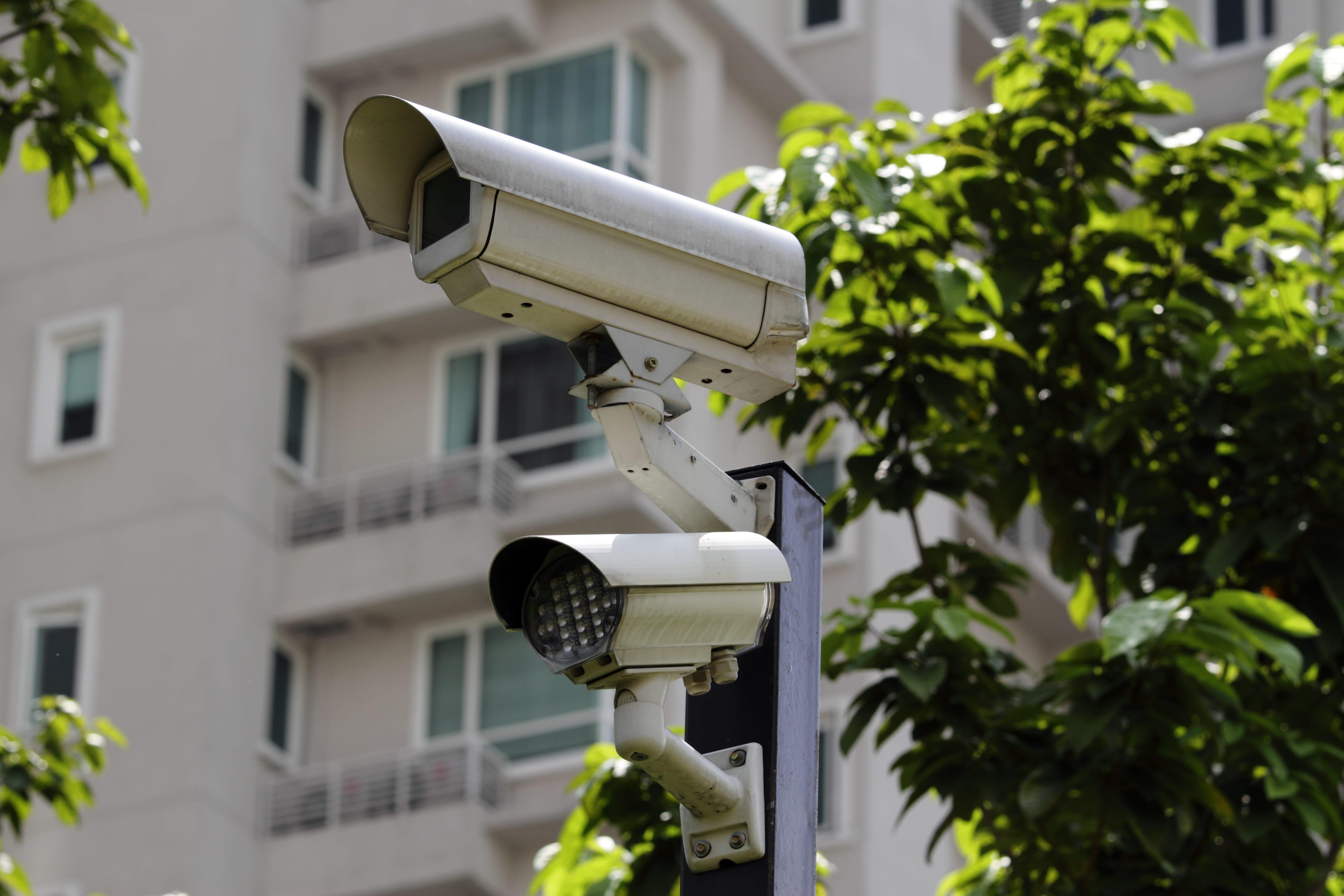 ¿Cómo la tecnología puede agregar valor a los procesos de seguridad en condominios y residenciales?